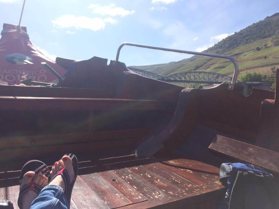 Portugal Douro Fluss Bootsfahrt Sonnenbad