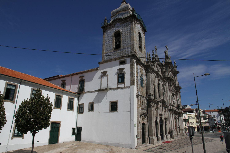 Die Kirchen (igreja) Carmelitas und Carmos liegen genau nebeneinander - wie praktisch beim Sightseeing