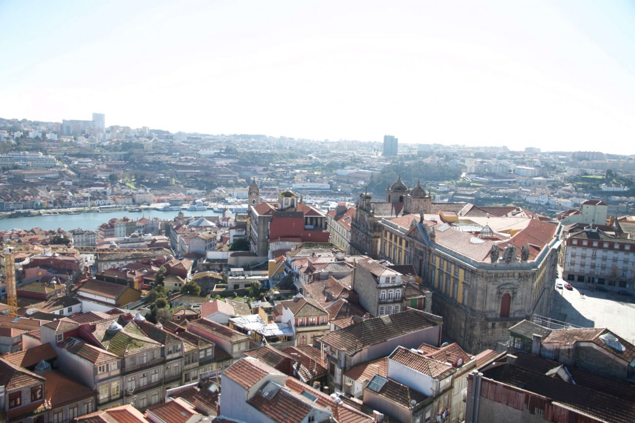 Porto Sightseeing Glockenturm Glockenkirche Igreija dos clérigos Aussichtspunkt Porto Vila Nova de Gaia Douro Fluss