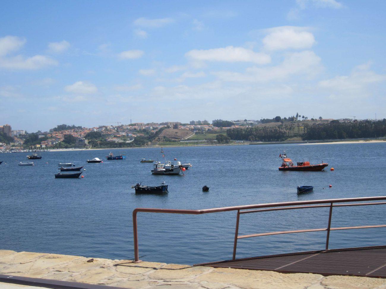 Portugal Douro Fluss Fischerboote Atlantik