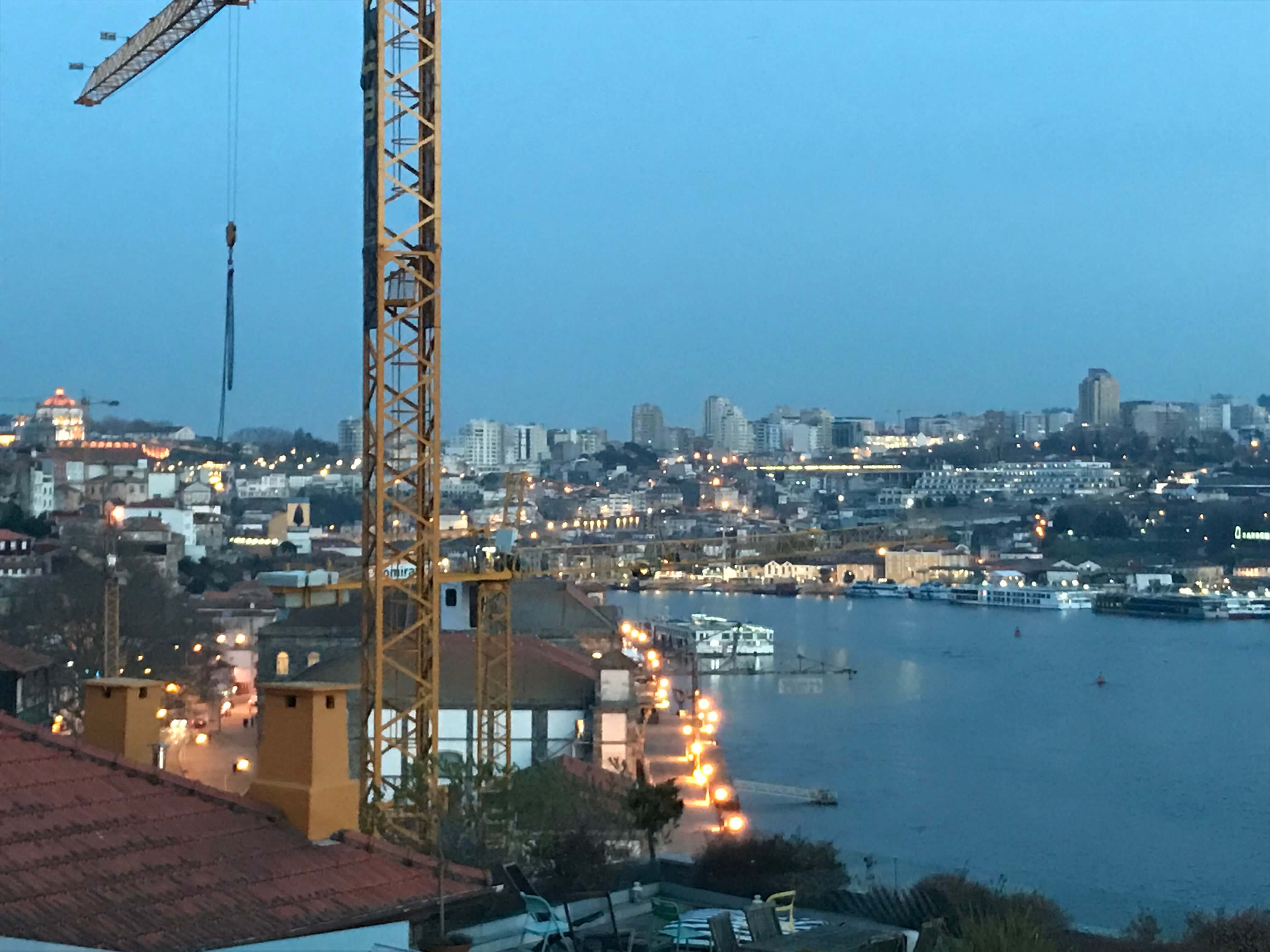 Nachtleben in der Hafenstadt Porto – auf geht's