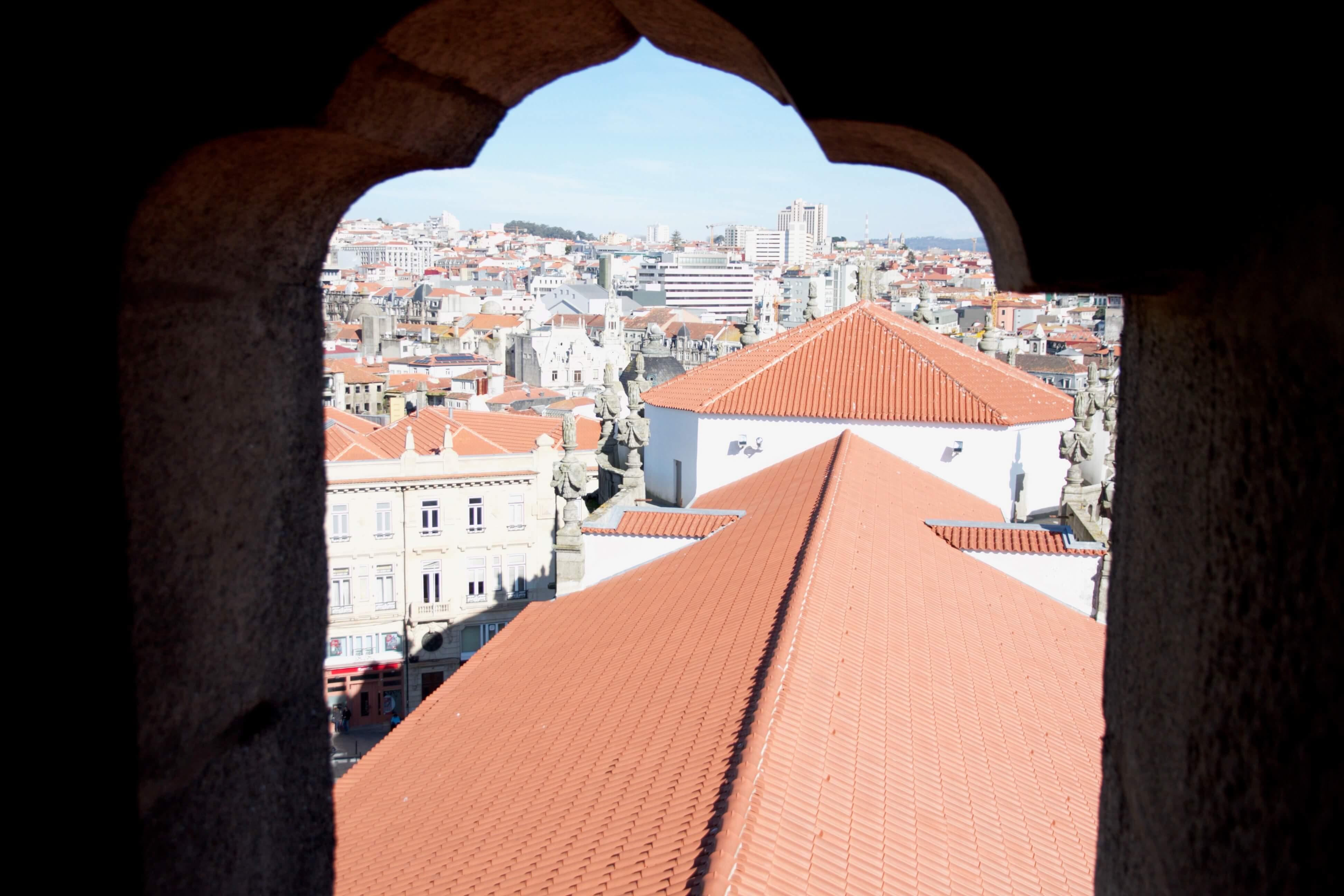 Clerigos-Turm – Wahrzeichen von Porto und Besuch beim Städtetrip