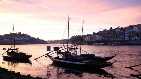 Portugal Douro Sonnenuntergang Vila Nova de Gaia Rabelos Miradouro Porto Ribeira