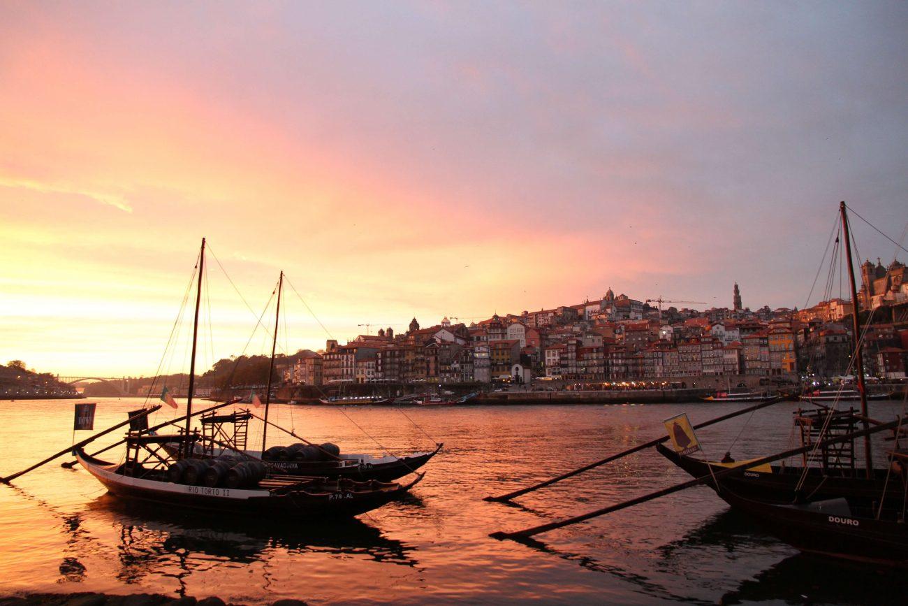 Portugal Douro Vila Nova de Gaia Porto Ribeira Sonnenuntergang