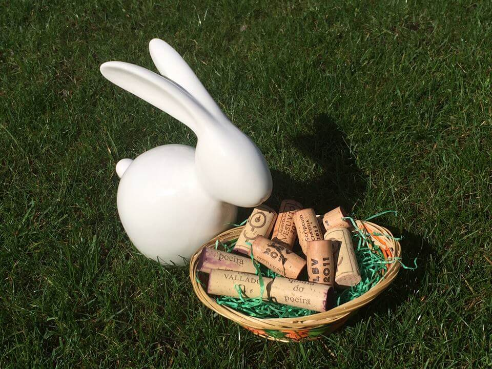Frohe Ostern wünschen wir mit einem portugiesischen Osterkuchen