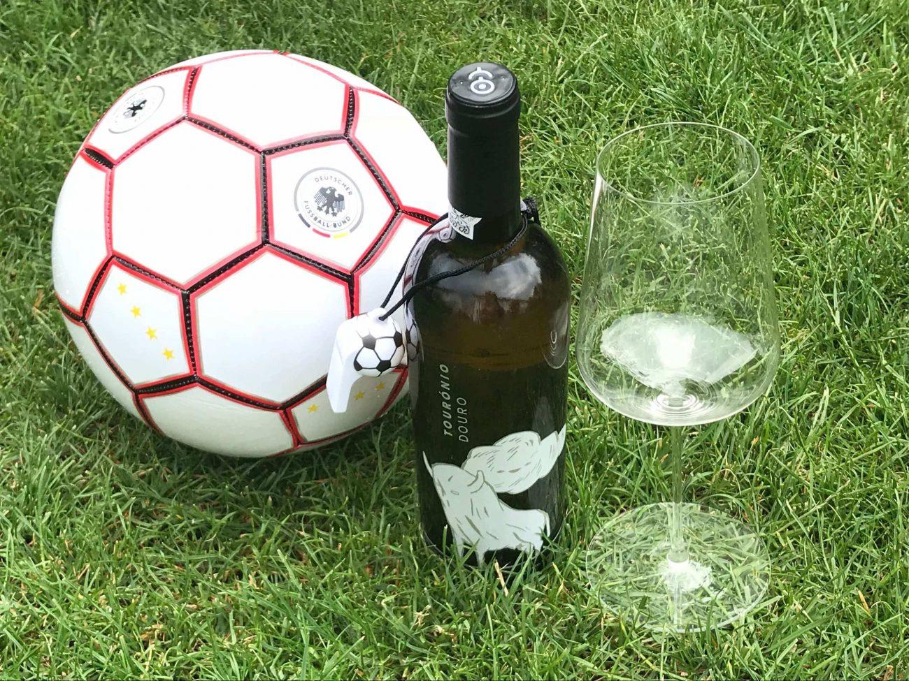 Fußball Portugal Weißwein Douro DOC Quinta de Tourais Touronio weiß