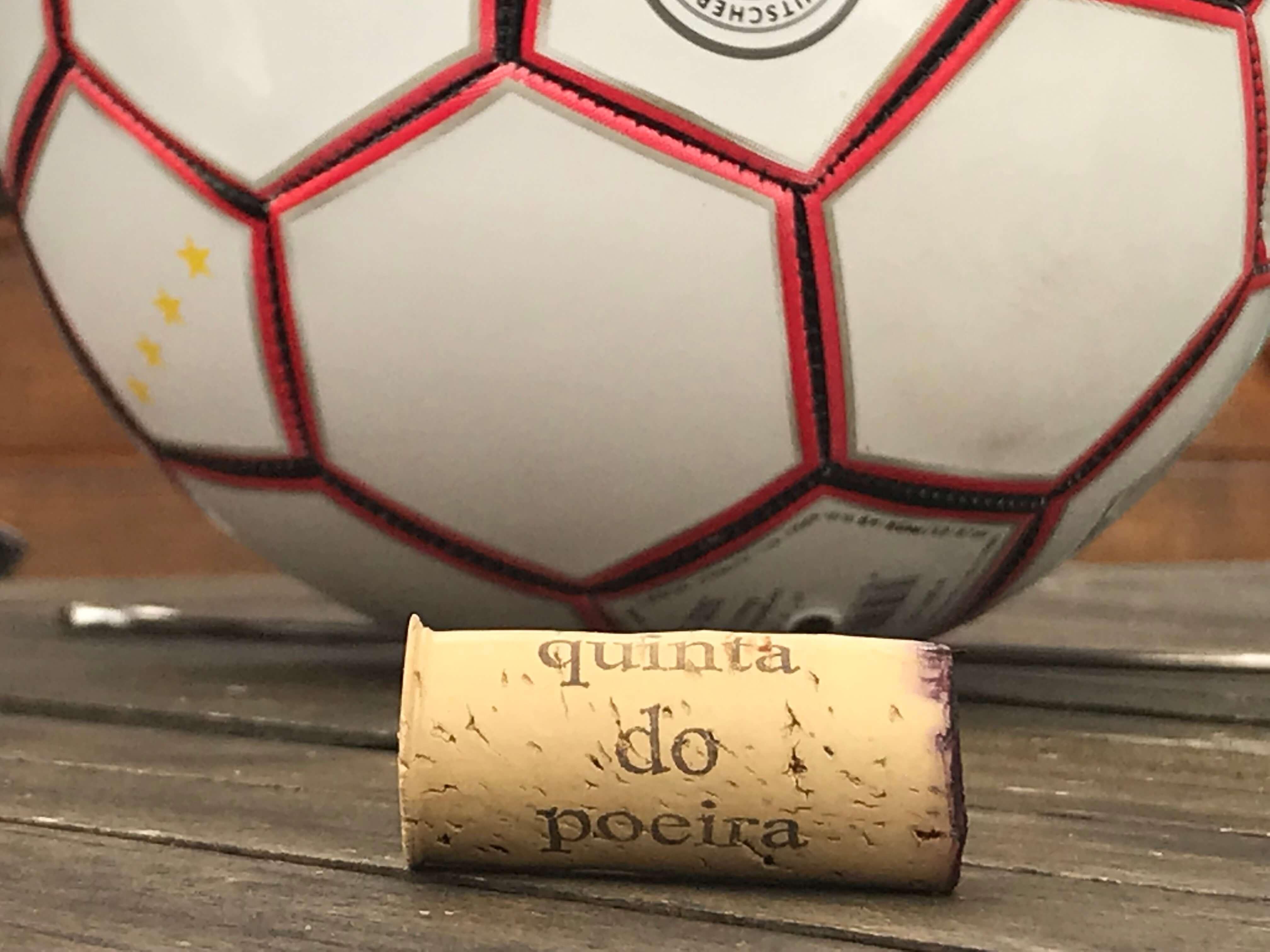 Bier und Wein… das lass sein… Fußball und Wein… das ist mein…