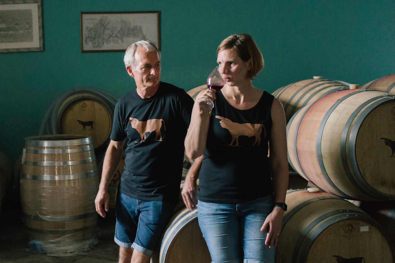 Verkostung der jungen Weine wie Touronio mit Winemaker Fernando Coelho im Weinkeller der Quinta de Tourais
