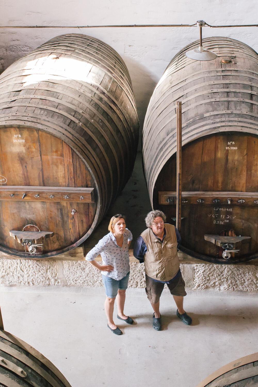 Kristin Rothe und Dirk Niepoort im Weinkeller in Vale de Mendiz im Douro-Tal