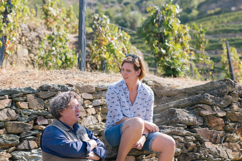 Im Gespräch mit Dirk Niepoort in den Weinbergen in Vale de Mendiz im Douro-Tal