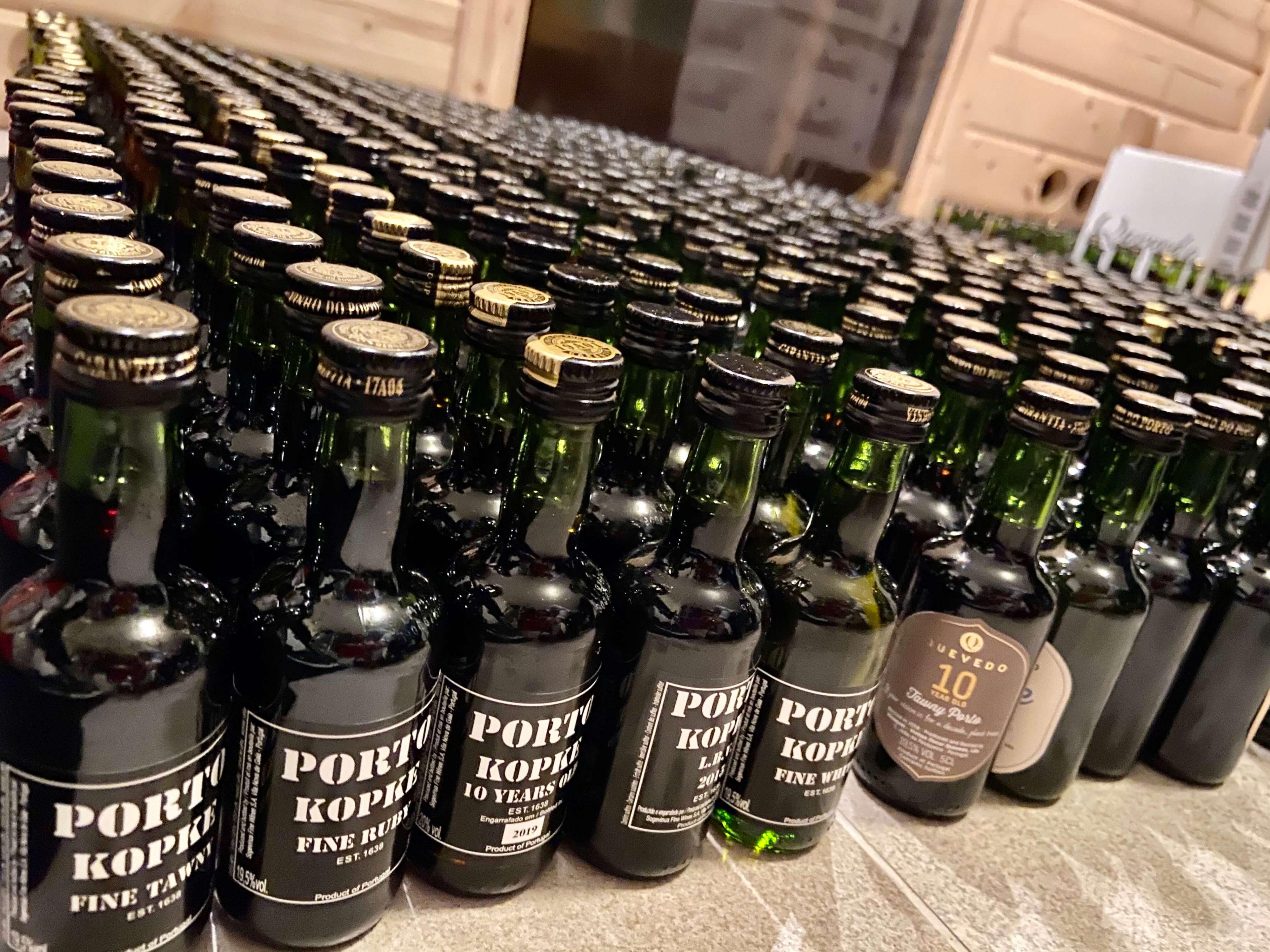 Verschiedene Portweine von Kopke im Portwein Adventskalender