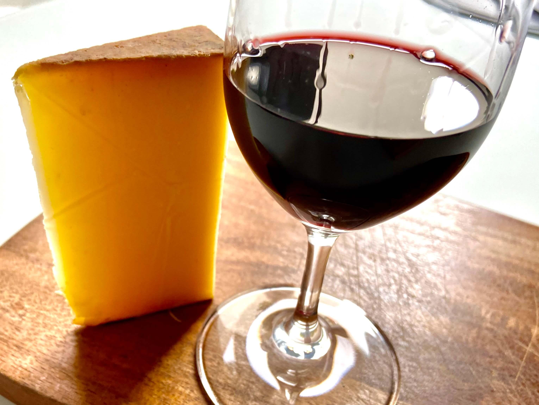 Portwein und Käse