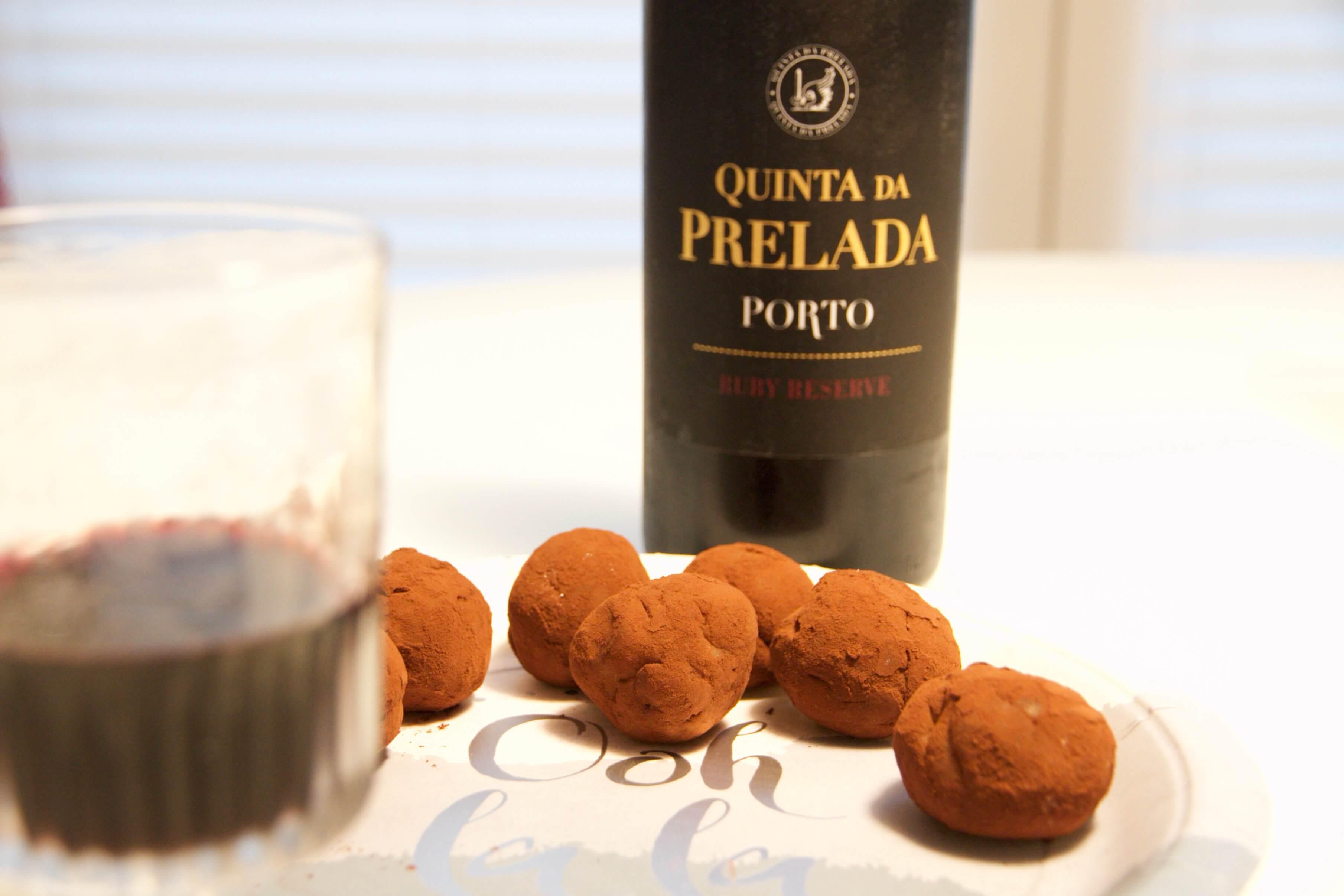 Portweinpralinen mit Pflaumen und Marzipan